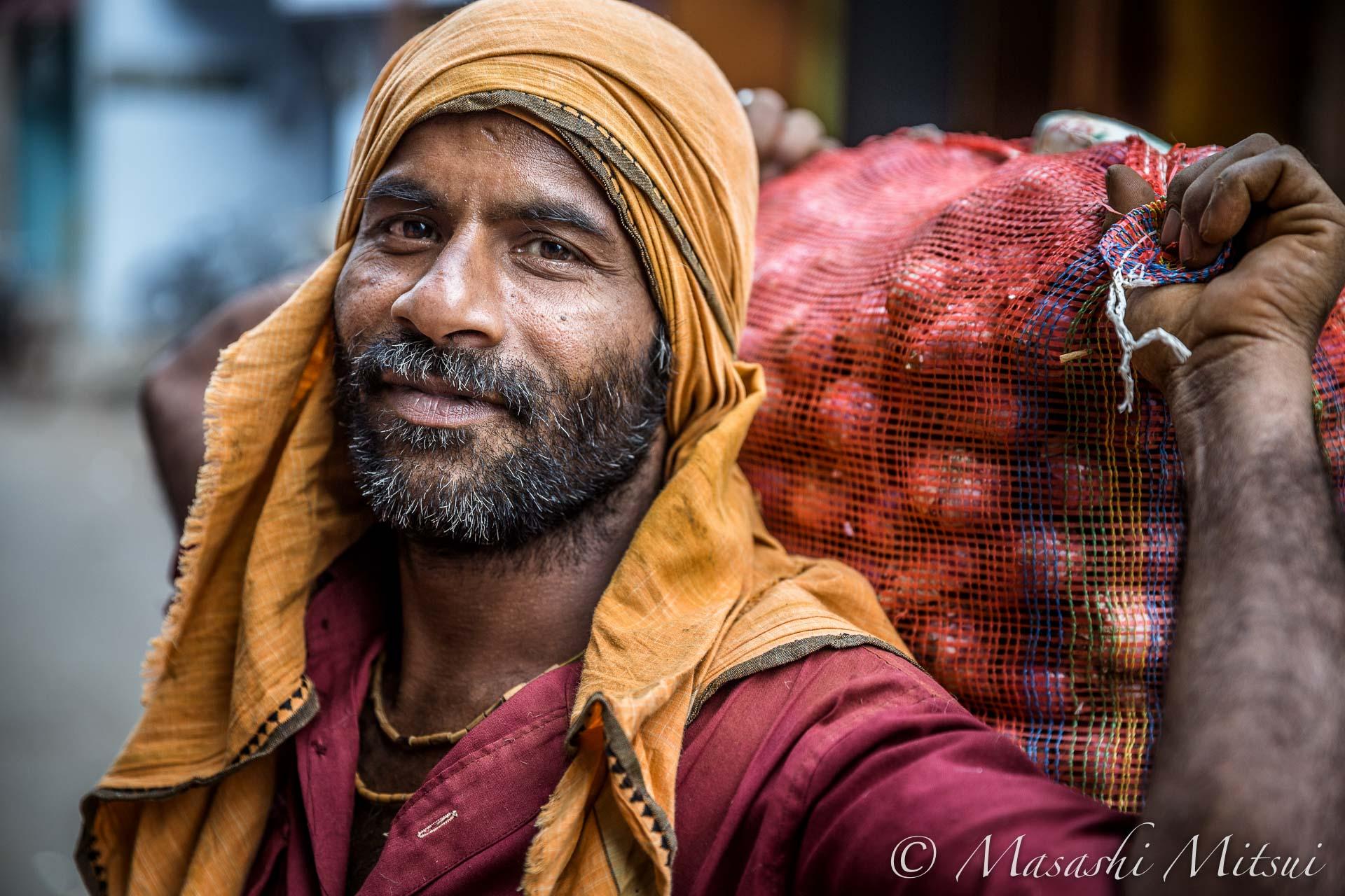 india16-00448