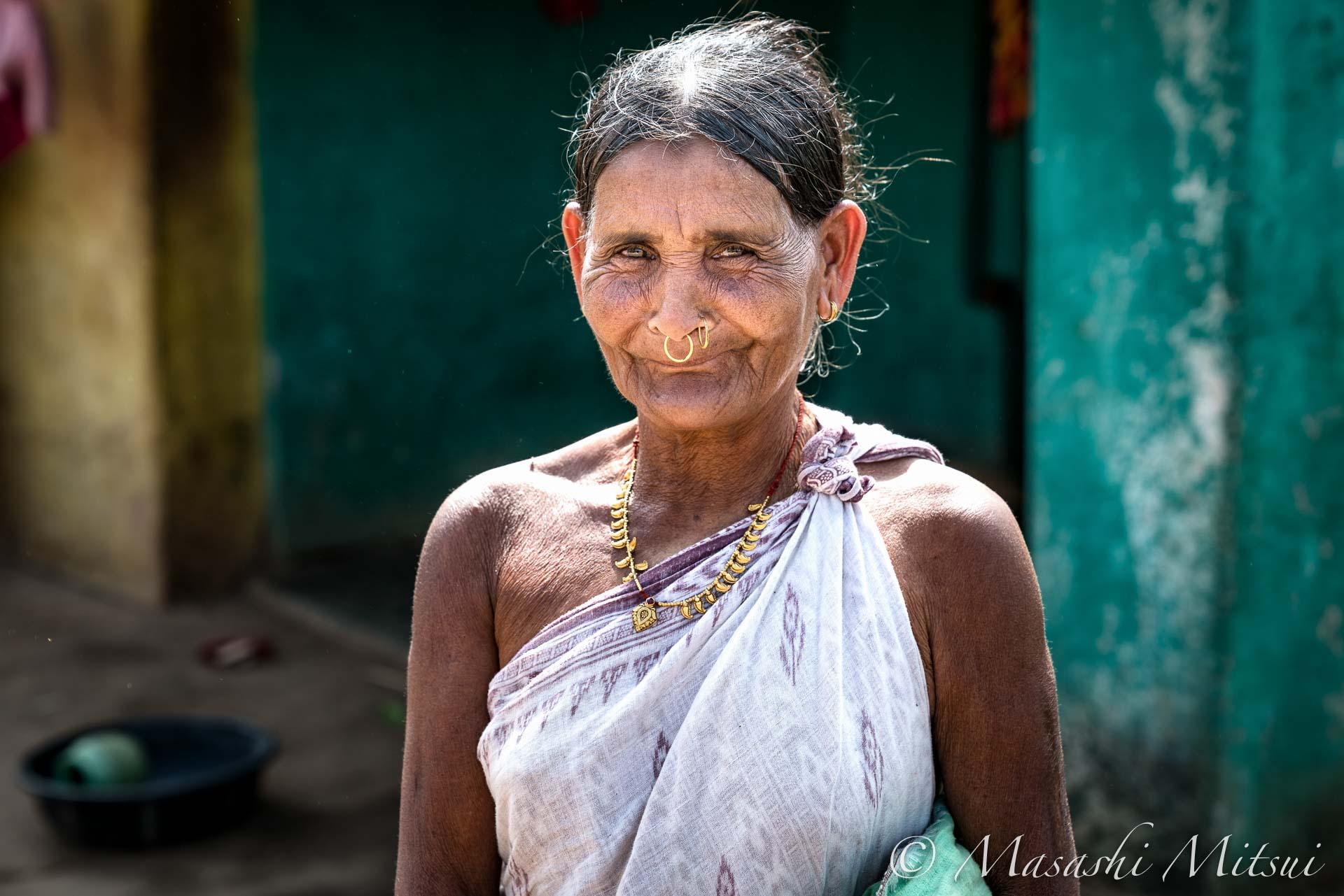 india17-05275