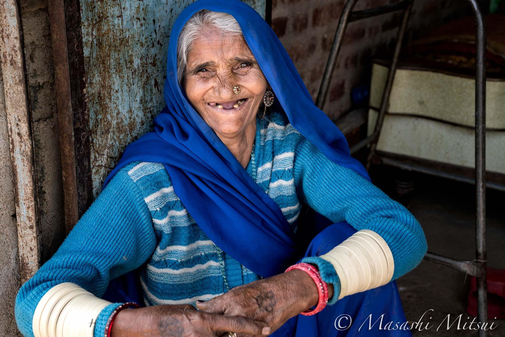 india18-55874