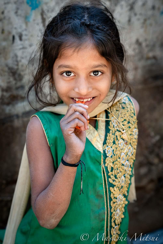 india18-10003