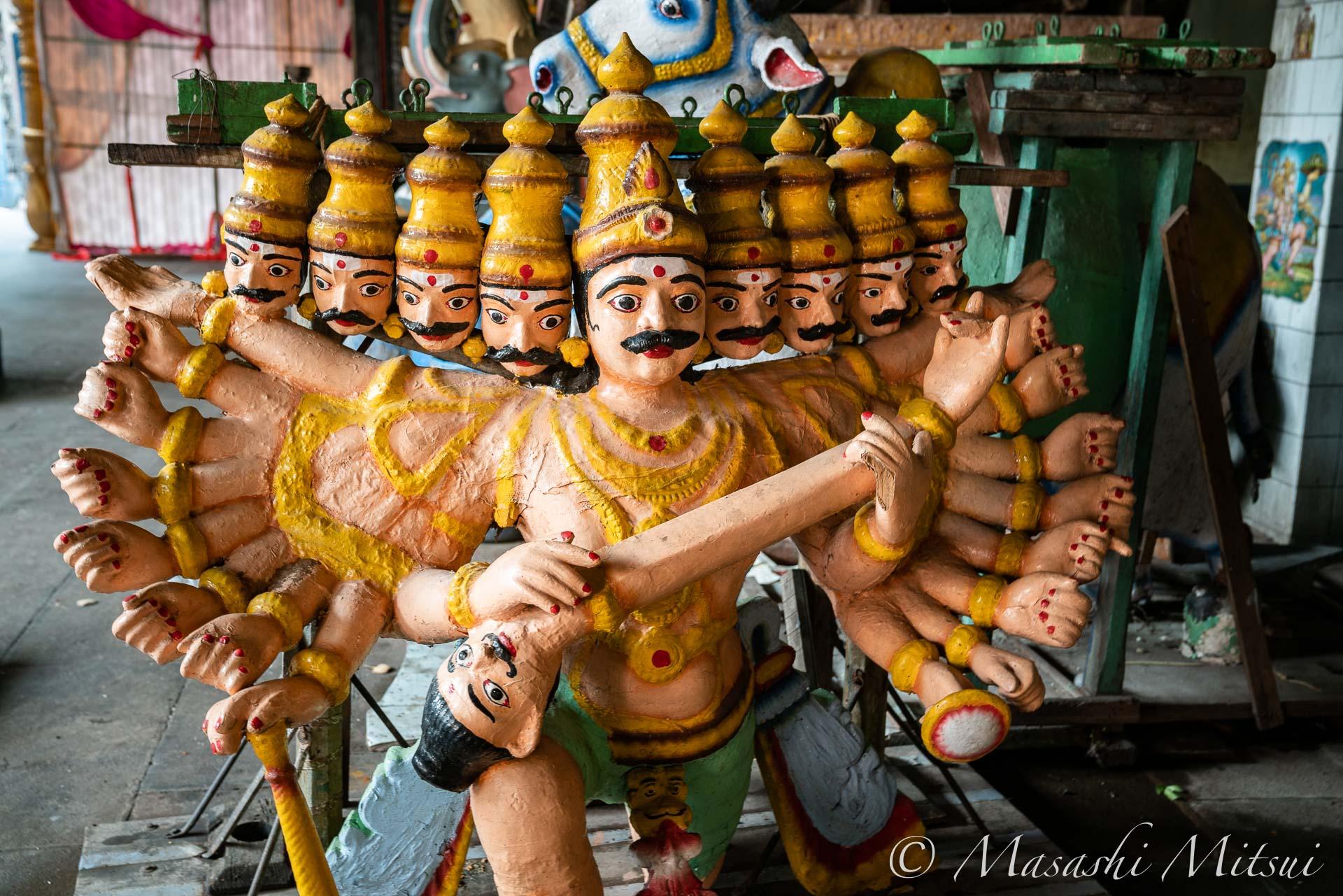 india18-10810