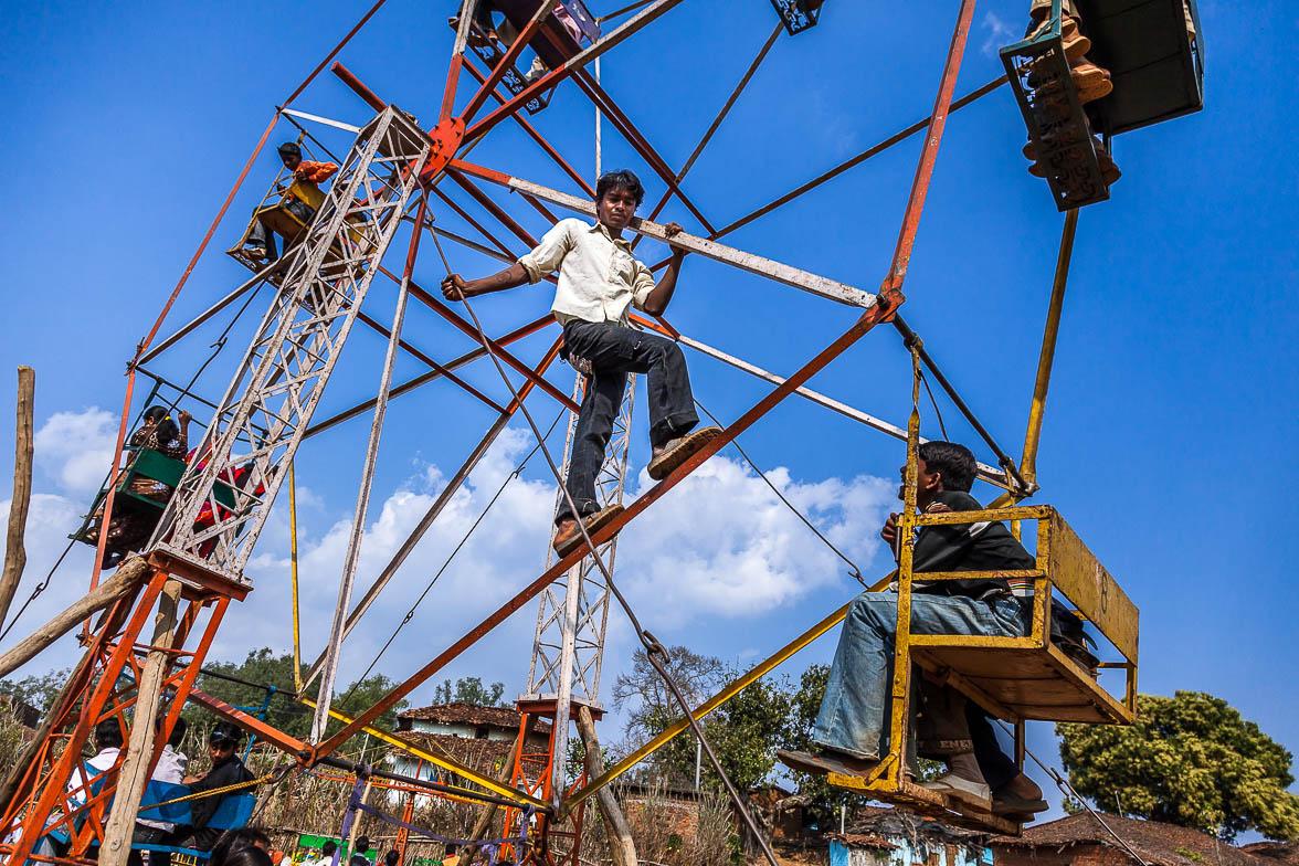事故 インド 遊園 地
