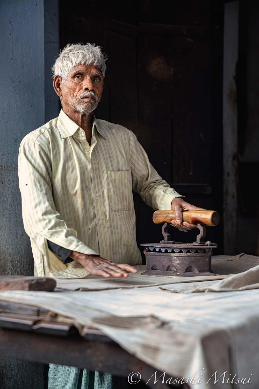india19-90040